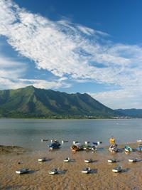 黃昏潮水大退,船兒都擱在泥灘上  24.07.2005